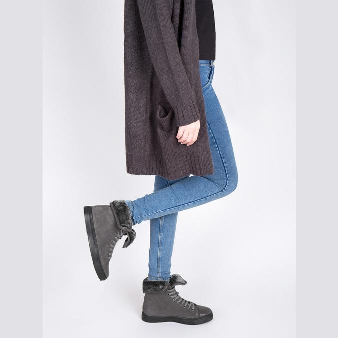 Knöchelhohe Leder-Sneakers mit Fell bata, Grau, 593-2601 - 18